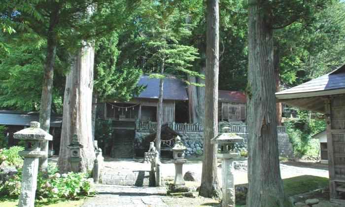 白馬岩岳マウンテンリゾート 周辺施設 切久保諏訪神社(霧降宮)
